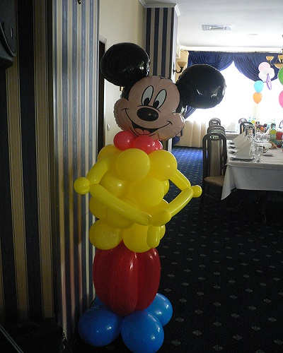 Mickey decor intrare sala