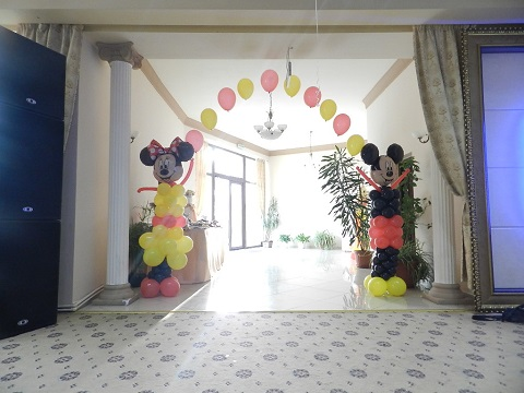Decor baloane intrare sala Mickey&Minnie FP2
